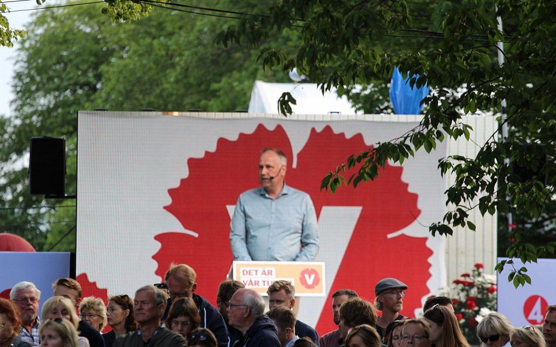 Jonas Sjöstedt överraskar med vaga löften till småföretagare.